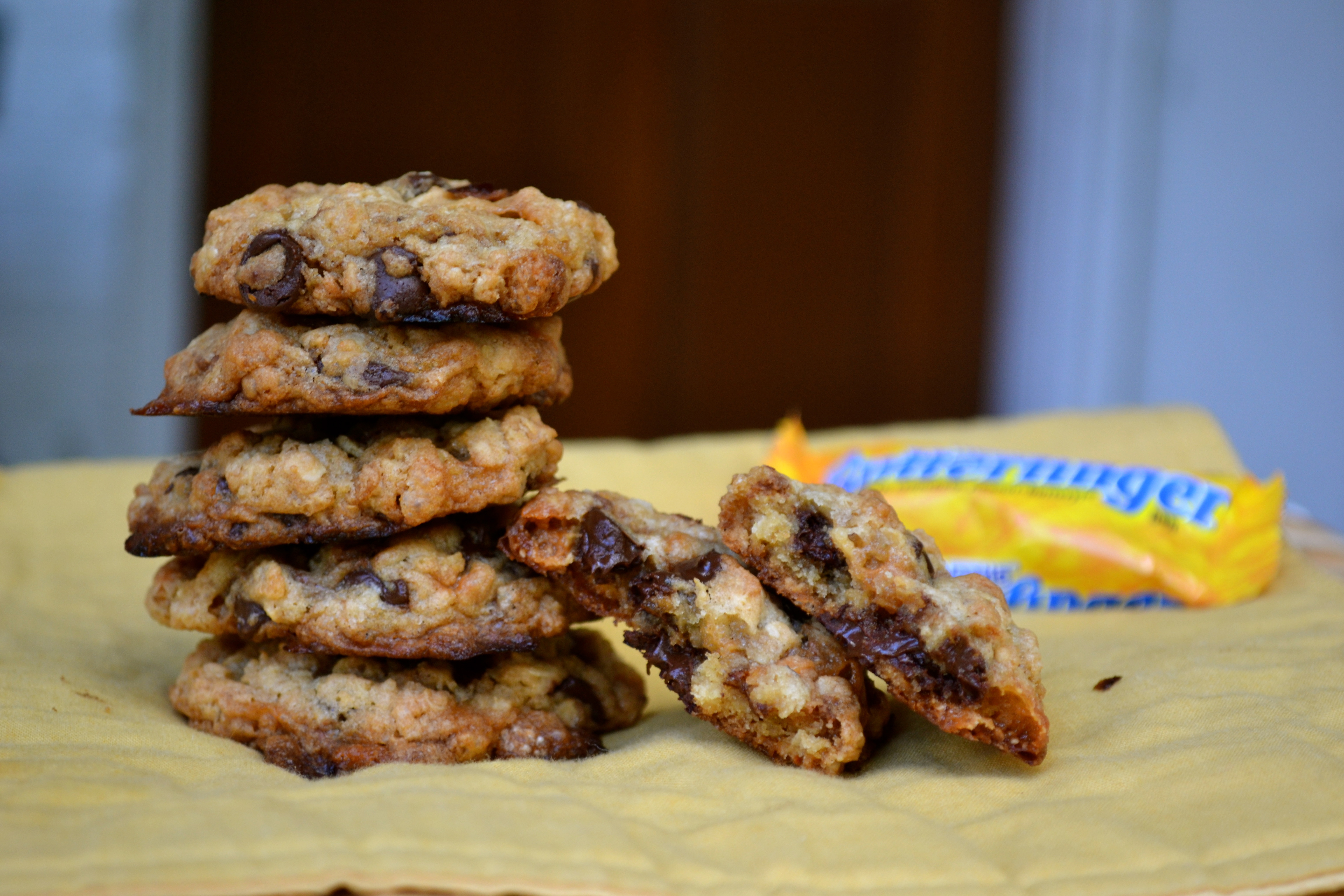 Crispy Butterfinger Cookies | a rented kitchen