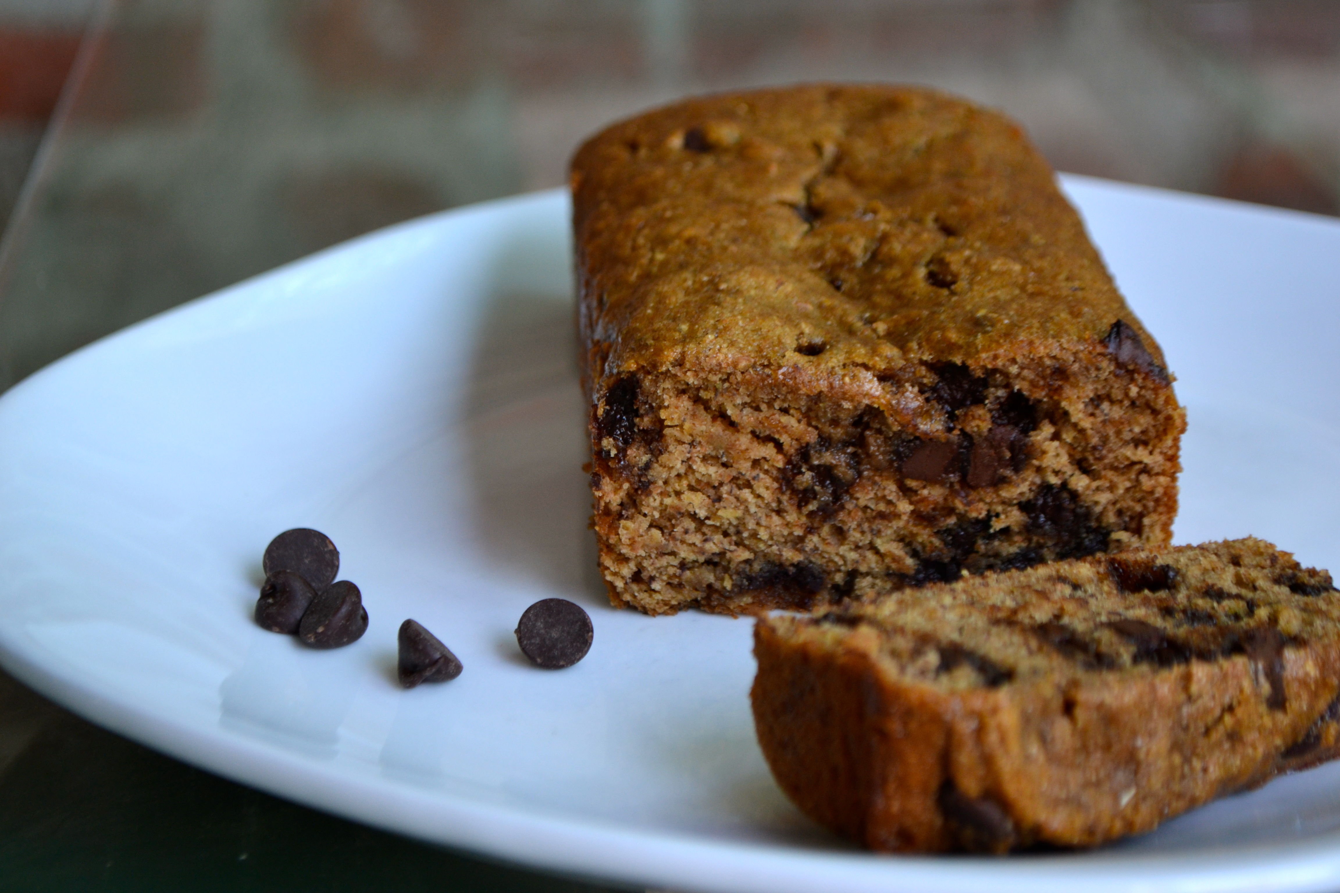 (Skinny) Chocolate Chip Banana Bread – a rented kitchen