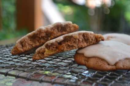 Apple Spice Cookies with Cardamom Cinnamon Frosting