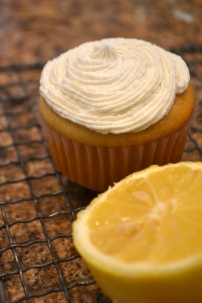Vegan Lemon Cupcakes with Buttercream Frosting